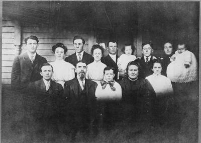 The Luskey family, early 1900s. William Luskey's son Thomas is in the front row, second from left.