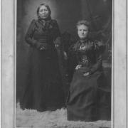 Snana, a 23-year-old Dakota woman whose  seven-year-old daughter dies just before the war  breaks out, forms a lifelong bond with Mary  Schwandt, a 14-year-old German American,  whose parents and five siblings are killed during  the war. Snana frees Mary from captivity and  protects her during the war by hiding her and  dressing her in Indian clothing.